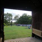 28 Par la porte de grange - View from the Barn