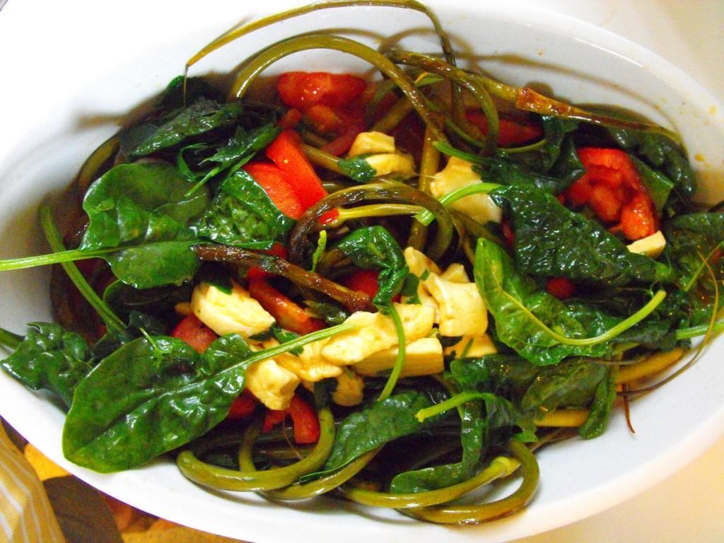 Salade tied d'epinards et de fleur d'ail